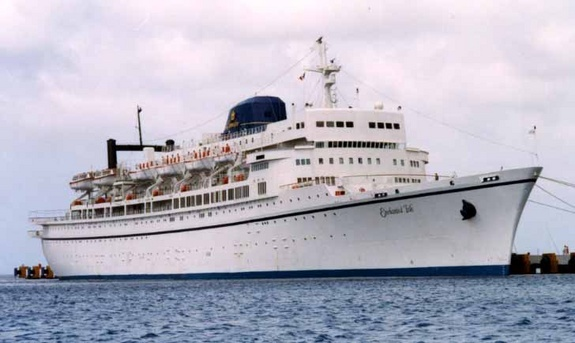 Commodore Cruise Line - Enchanted Isle