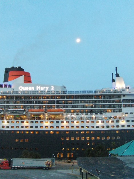 Cunard Line - Queen Mary 2