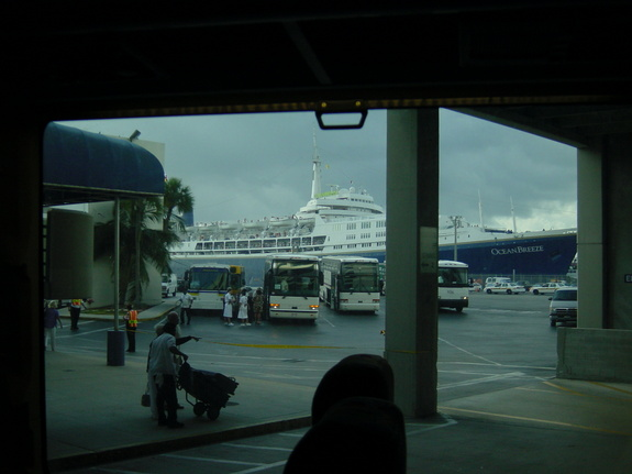 Imperial Majesty Cruise Lines - OceanBreeze