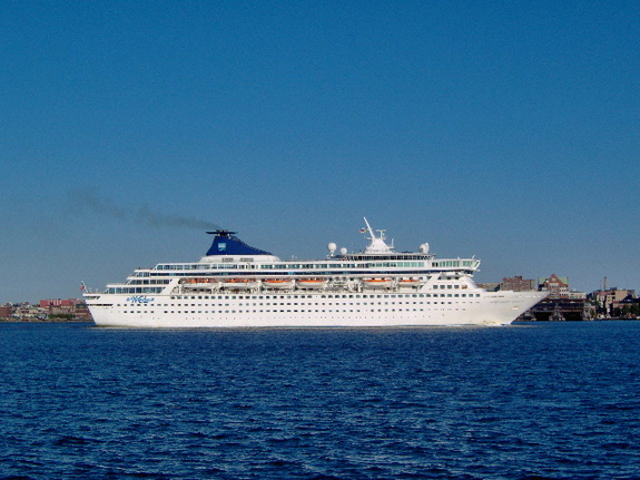 Norwegian Cruise Line - Norwegian Crown