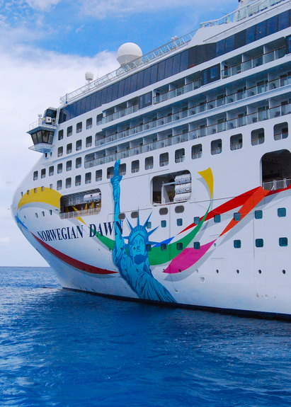 Cruise Ships Norwegian Dawn Photo - Cruise ship dawn