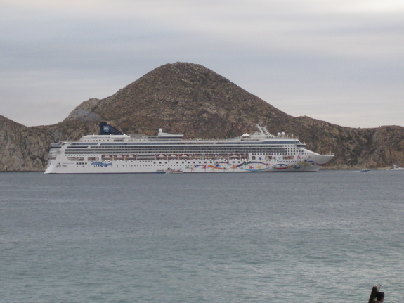 Norwegian Cruise Line - Norwegian Star